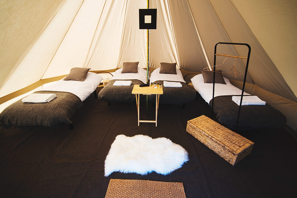 Garden Glamping Luxury 4 Person Bell Tent